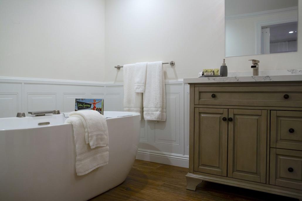 andreas-villa-suite-andreas-hotel-palm-springs-bathroom1-2